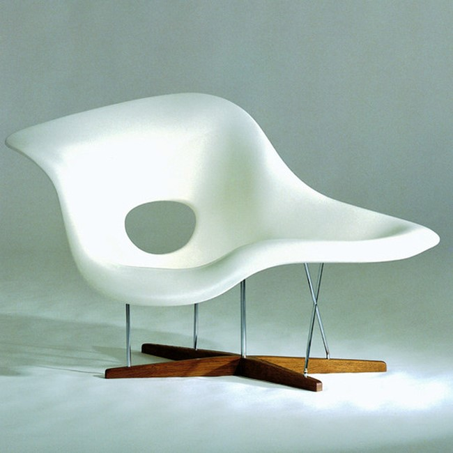 Exhibition the world of charles and ray eames modern designer furniture an - Chaise charles et ray eames ...